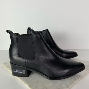 New Blondo Black Leather Chelsea Ankle Boots